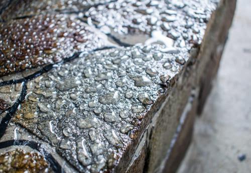 Hydrophobierend imprägnierte Steinmauer